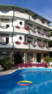 hotel-piscina-vert-rsz